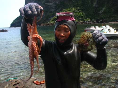 As mulheres-mergulho (Haenyeo) da ilha de Jeju